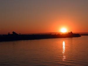 sunset-1404047