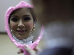 O que se vê no espelho destoa da muitas vezes amarga realidade