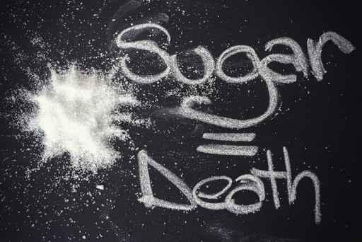 Trocando em mi' udos está escrito que açúcar é igual à morte. E eu ouso concordar. Mas não pelo uso e, sim, pelo abuso. Neste ano de 2015 estou para completar 3 anos que fiz uma gastroplastia e minha vida pós cirurgia é muito melhor que a anterior. Se é verdade o que o Paulo Zulu disse, uma ou dua décaas atrás, que eu sou o que eu como, decididamente eu não sou açúcar. raramente como pão e, se como, é integral. Adoço meu café com mascavo, que tem um gosto muito mais interessante que o do açúcar refinado. A endocrinologista que me Tratou,a Dra. Verônica Jordão foiu taxativa comigo, conversou mais de uma hora comigo quando da segunda consulta, pois ali ela tinha os exames na mão e traçou todo um plano de aliementação onde, pela minha condição de pessoa com gastroplastia, eu devo privilegiar as proteinas em detrimento de qq coisa e, depois comer saladas e, finalmente,se sobrar espaço, carboidratos. Ela foi tão covincente que, mesmo depois da cirurgiã me dizer, quando eu estacionei em 107 Kg, que eu não baixaria mais o peso, eu ainda desci aos 91Kg! Escolha o que você vai comer e, por favor, ensine seu filho(a) a se alimetar, pois o que tnho visto em supermercados é estarrecedor. Eu acho que muita gente come frango sem nunca ter visto um vivo e, convenhamos...